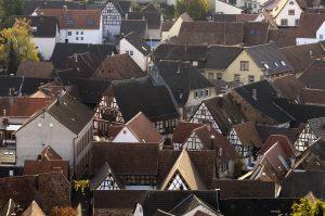 Blick über Ortskern Ilbesheim mit viel Fachwerk