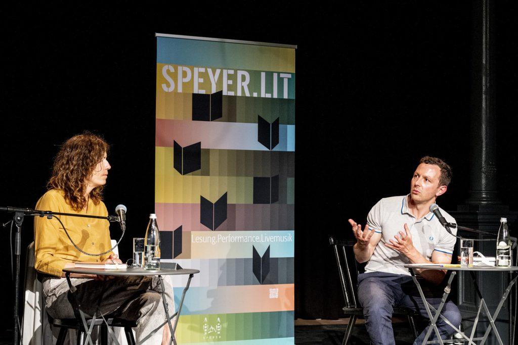 Anne Weber und Sebastian Guggolz im Gespräch