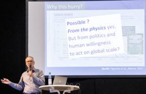 Prof. Dr. Stephan Borrmann bei seinem Vortrag